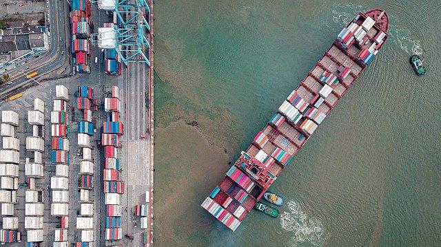 Import z Chin - trudności i zagrożenia